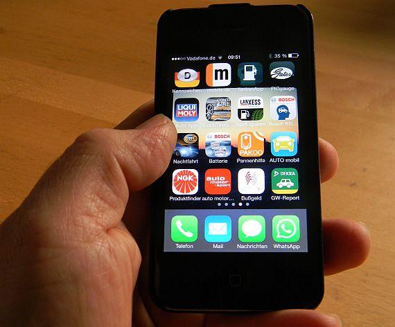 die besten und n tzlichsten auto apps f r smartphones. Black Bedroom Furniture Sets. Home Design Ideas