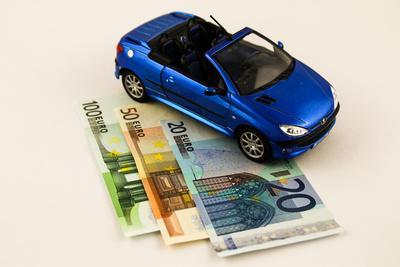 Zwei Autos Eine Versicherung
